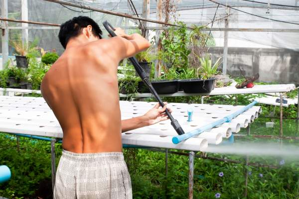 Cleaning Hydroponic Systems